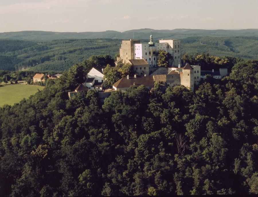 hrad pri Luhačoviciach