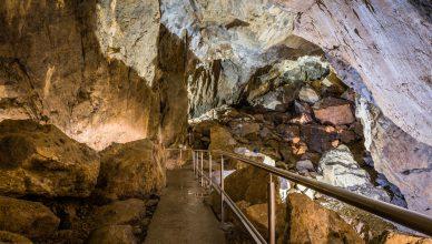 jaskyňa na slovesku